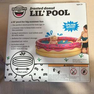 Toddler blow up wadding pool